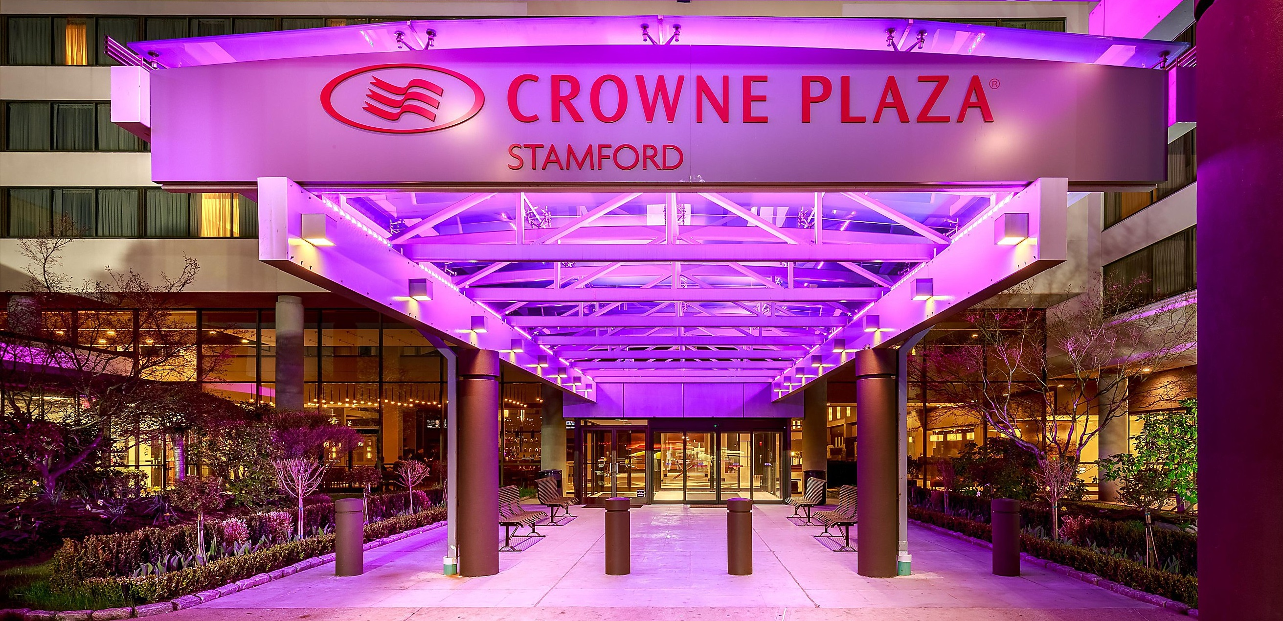 Crowne Plaza Stamford Now on PointBreaks And Bookable For